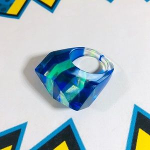 Vintage 80's blue and aqua resin pop art ring.